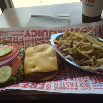... , IL, United States. Classic Smash burger no sauce and smash fries