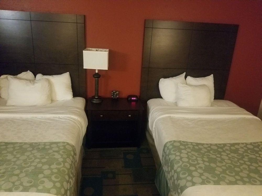 La Quinta Inn by Wyndham Sheboygan: 2932 Kohler Memorial Dr, Sheboygan, WI