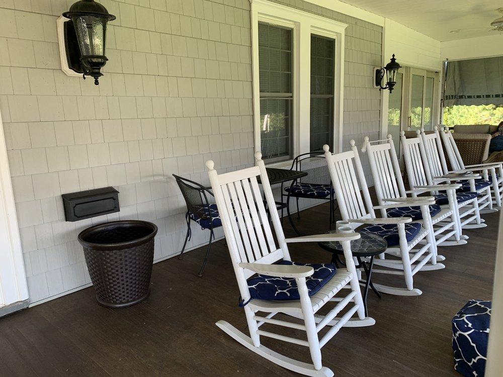Cashelmara Bed & Breakfast Inn: 22 Lakeside Ave, Avon by the Sea, NJ