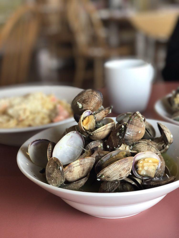 Fresh Catch Cafe: 4025 Homer Spit Rd, Homer, AK