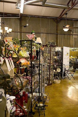 Strebel Creek Vineyard & Gift Shop: 11521 N MacArthur Blvd, Oklahoma City, OK