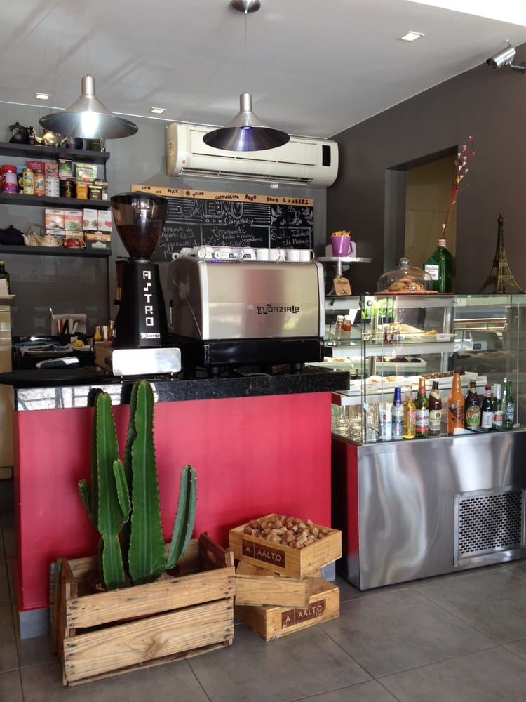 Cookers Café & Bistrô