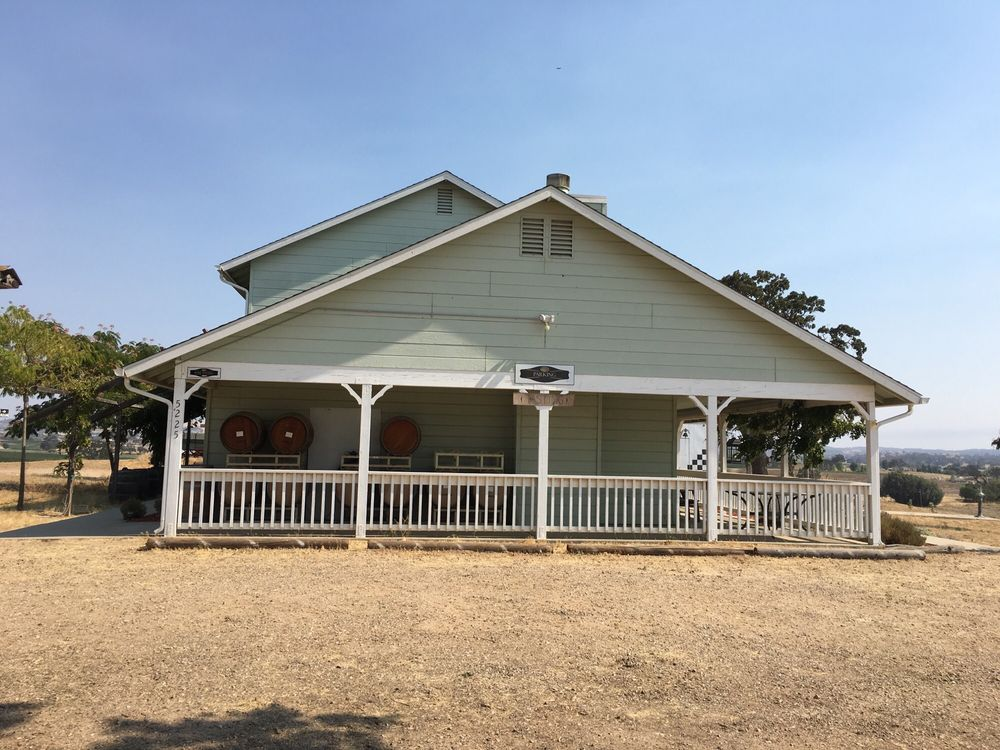 Stanger Vineyards: 5225 Hwy 41, Paso Robles, CA