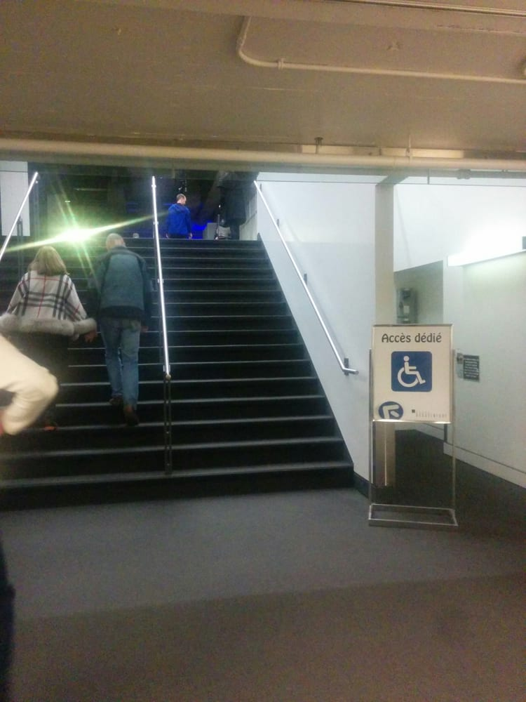 Halls d expositions de la place bonaventure 33 photos for Shared office space montreal