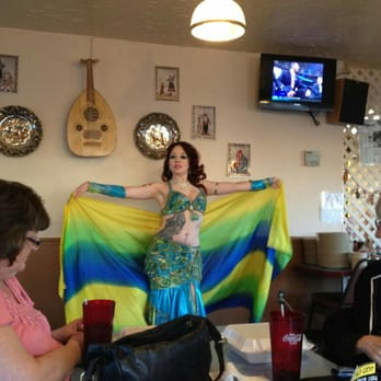 Restaurants With Belly Dancers Chicago