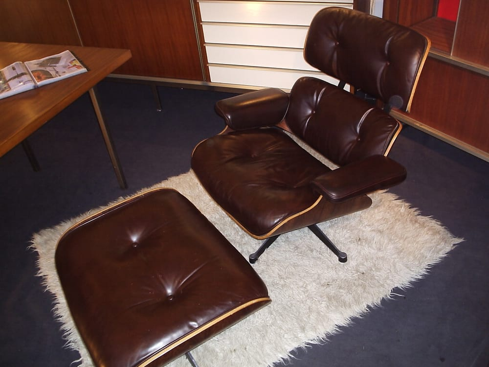Lounge chair eames original vintage mobilier for Mobilier international eames