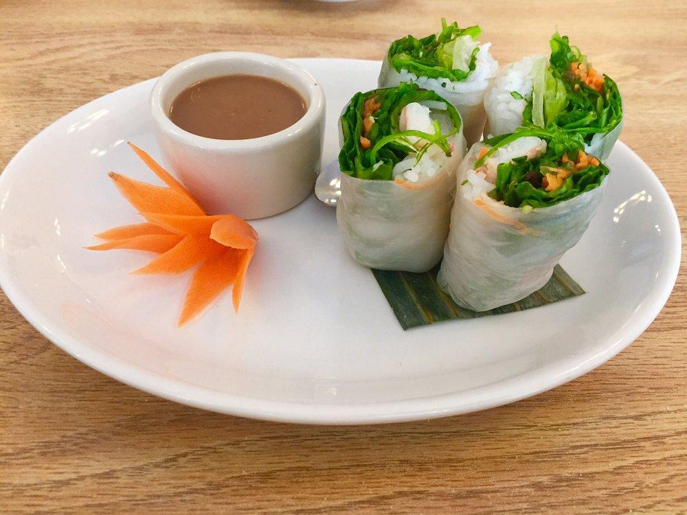 Thon Buri Thai Cuisine: 8545 E Washington St, Chagrin Falls, OH