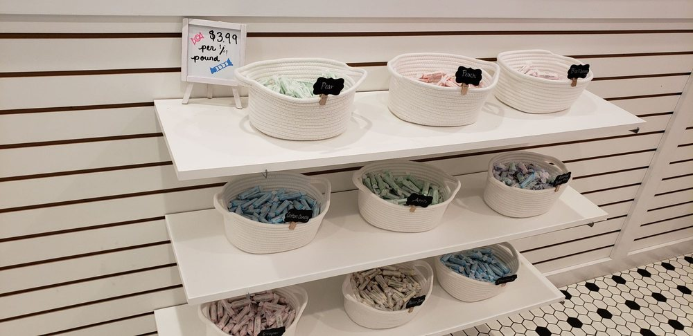 Ice Cream Shoppe: 5 Via De Luna Dr, Gulf Breeze, FL