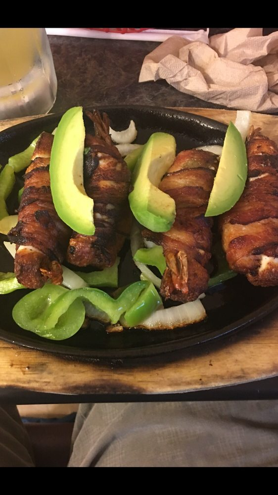 El Taquito Mexican Restaurant: 90 Patrick St, Coldspring, TX