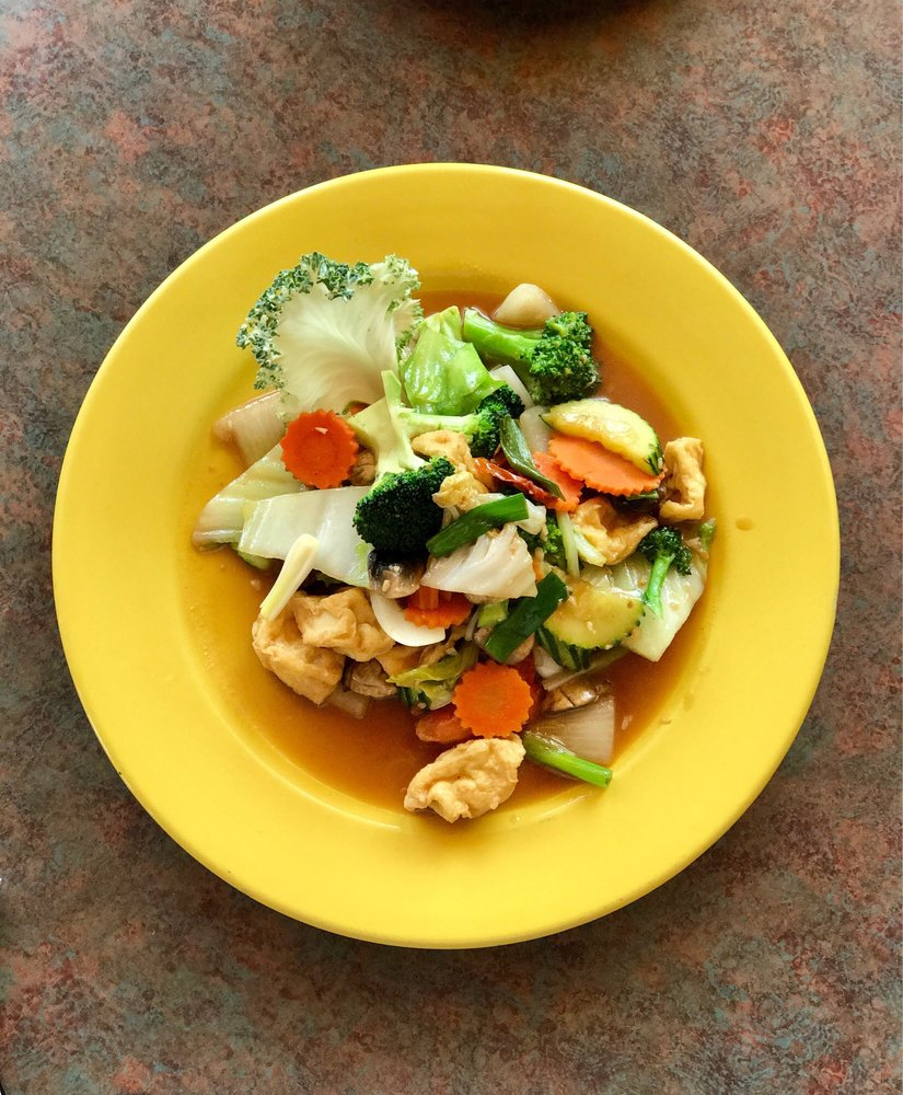 Montira's Thai Cuisine: 302 W 2nd St, The Dalles, OR