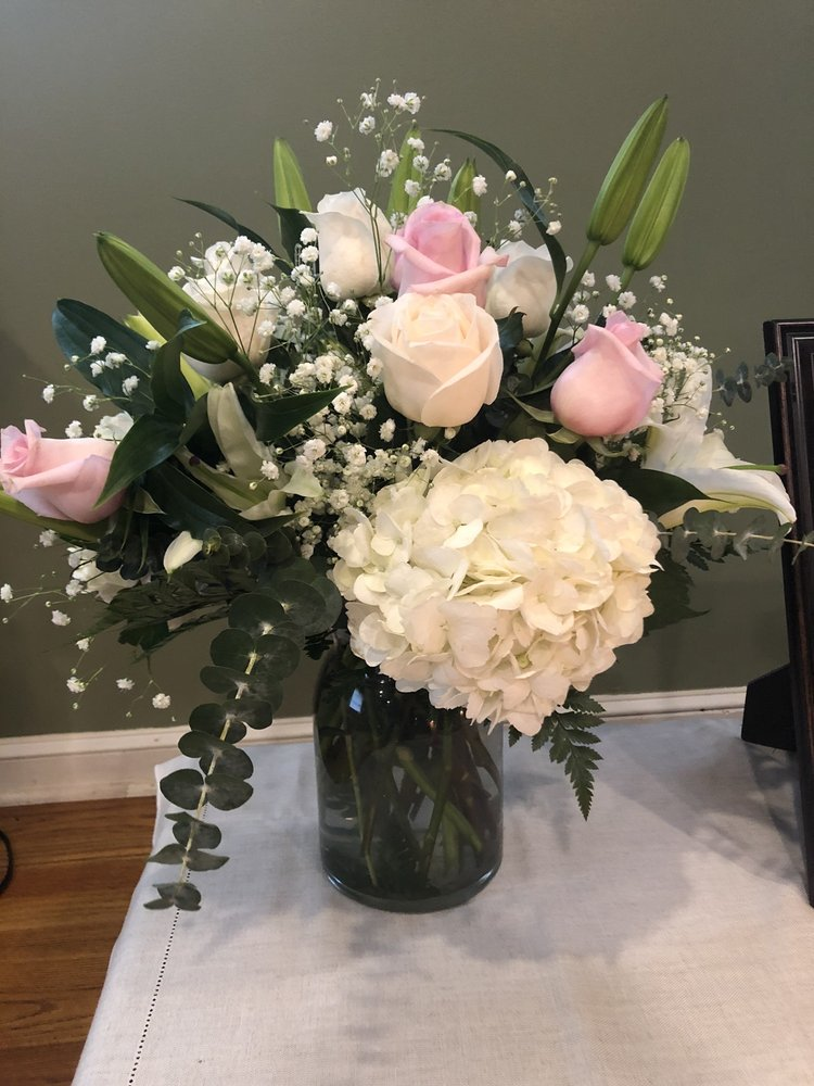 Collingdale Flowers: 1001 MacDade Blvd, Collingdale, PA