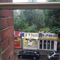 Foto Zu Kfz Zulassungsstelle Berlin Deutschland Kommse Rein Könnse Rausgucken