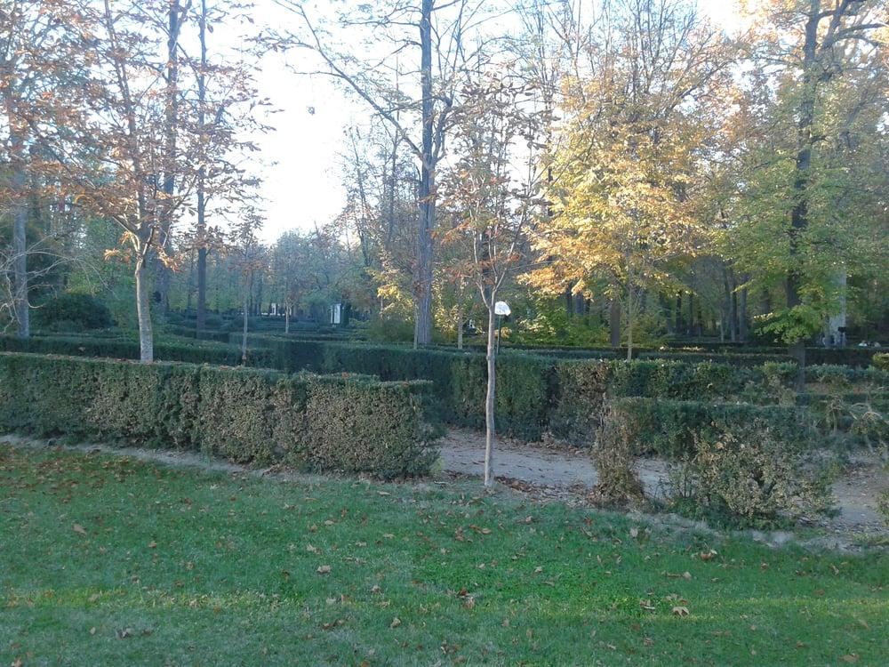 Jard n del pr ncipe parchi calle de la reina aranjuez for Calle jardin de la reina granada