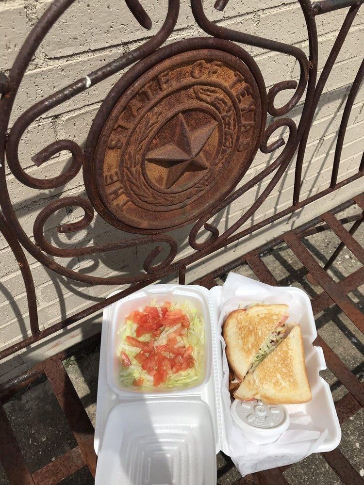 Branscome Grocery-Deli: 407 W Fm 545, Blue Ridge, TX