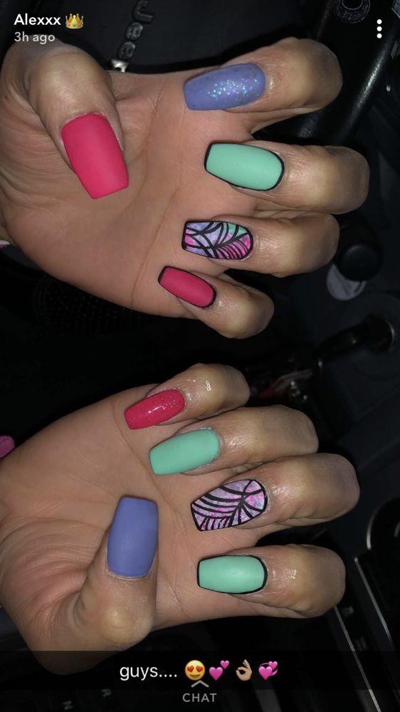 Nail-Licious Nails: 1502 Harding Ave, Garden City, KS