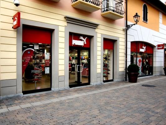 pretty nice 595ae cdfdb PUMA Outlet - Shoe Stores - Via Della Moda 1, Serravalle ...