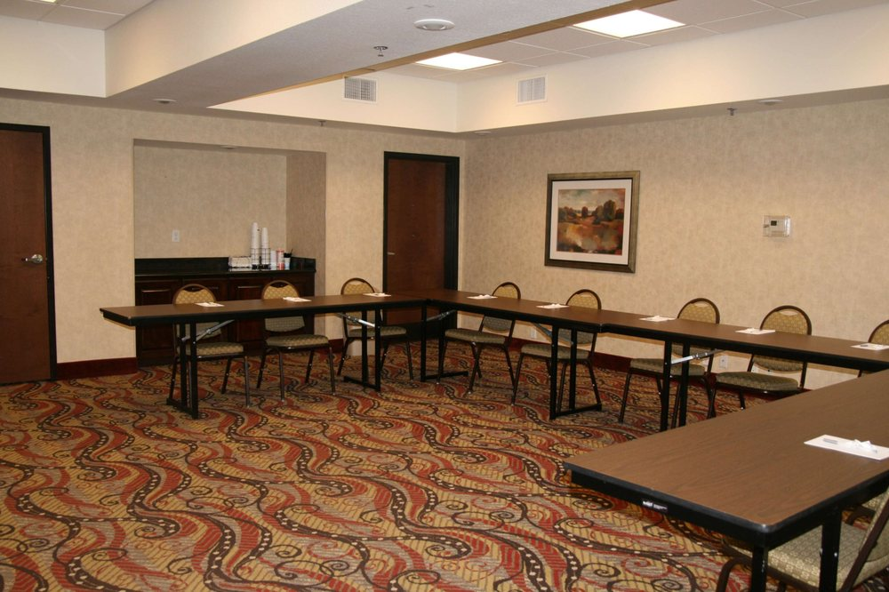 Hampton Inn Sulphur Springs: 1202 Mockingbird Ln, Sulphur Springs, TX