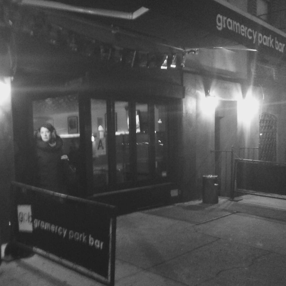 Gramercy Park Bar: 322 2nd Ave, Manhattan, NY