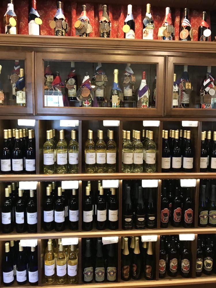 Von Stiehl Winery: 115 Navarino St, Algoma, WI