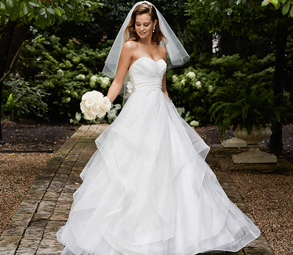 Wedding Gowns Nashville: Join One Of Our Premier Stylists And Slip Into Your Dream