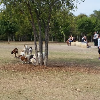 Gramercy Dog Park Dallas Tx