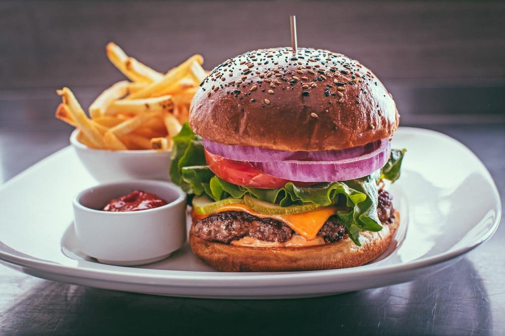 JOEY Kitchen™ at University Village | 2603 NE 46th St, Seattle, WA, 98105 | +1 (206) 527-6188