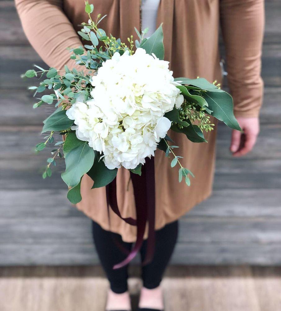 Floral Creations Florist: 3308 S Cobb Dr SE, Smyrna, GA