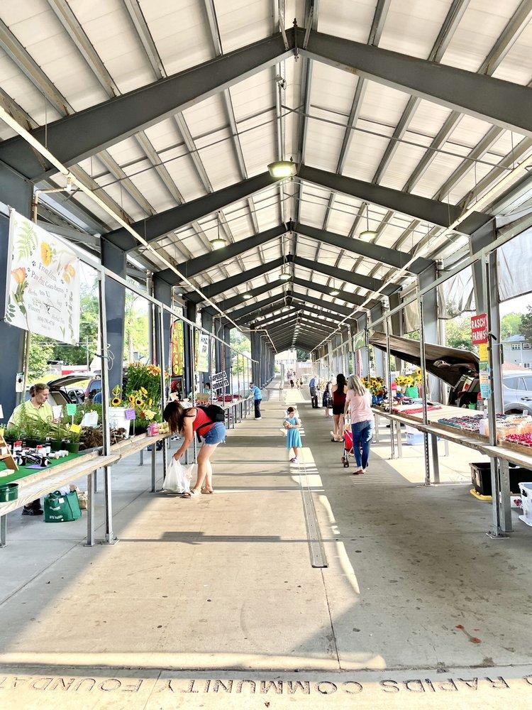 Fulton Street Farmers Market: 1145 Fulton St E, Grand Rapids, MI