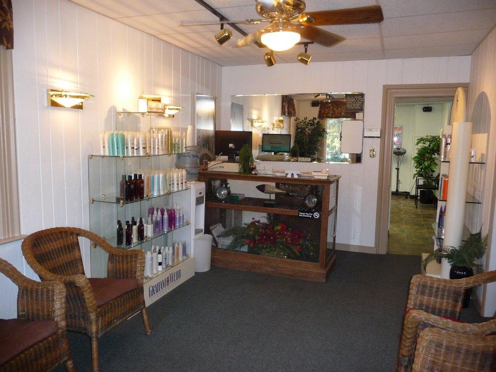 B Staub Hair Studio: 423 Main St, Mc Sherrystown, PA