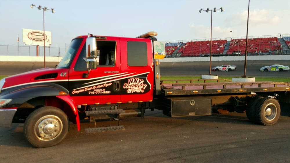Towing business in Evans, NY