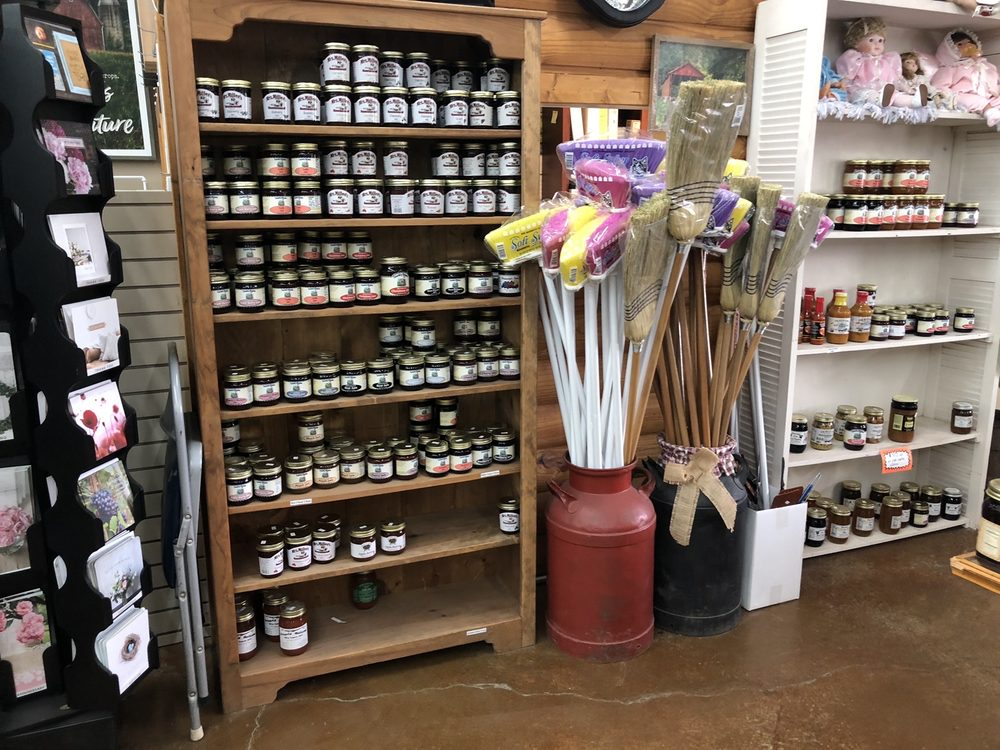 Country Breeze Market: 3155 Echo Valley Rd, Auburn, KY