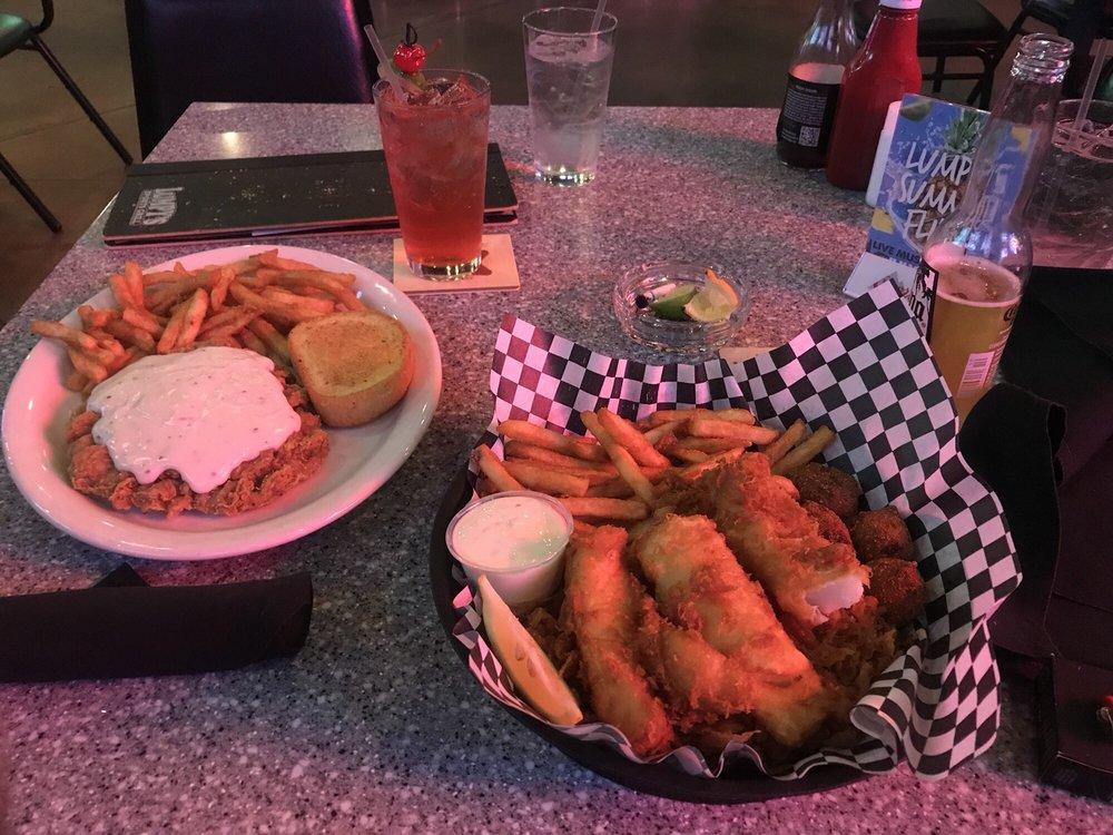 Lumpys Sports Grill: 10601 S Western Ave, Oklahoma City, OK