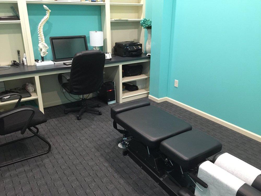 Hampton Chiropractic & Massage: 1131 E North Ave, Belton, MO