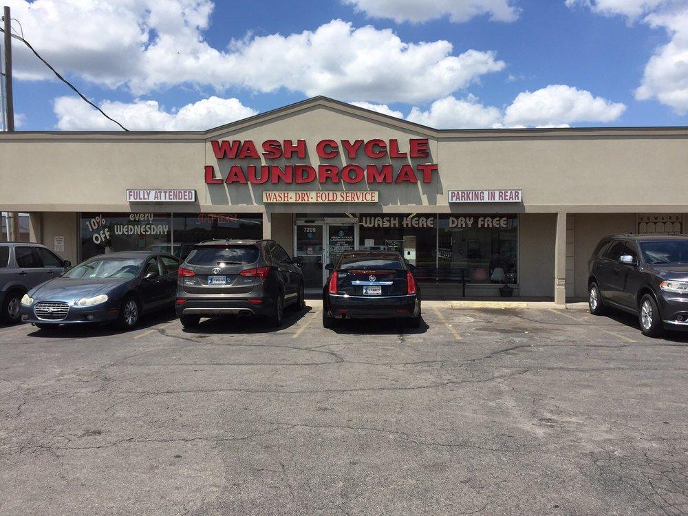 Wash Cycle Laundromat: 7209 E Reno Ave, Midwest City, OK
