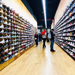 23ab98dfa Flight Club - 235 Photos   318 Reviews - Shoe Stores - 812 Broadway ...
