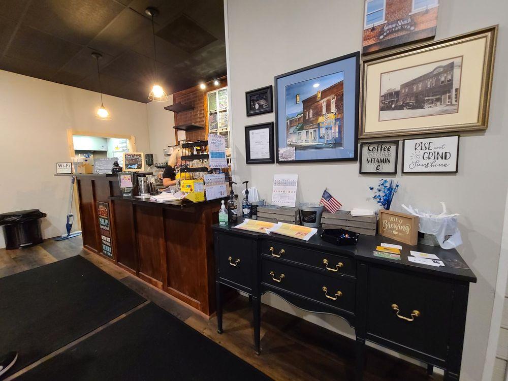 Game Shack Cafe: 185 Cherry St, Dunlap, TN