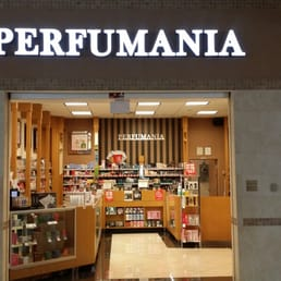 Perfumania Stores Nearby Looking for an Perfumania store in a mall or outlet near you? Find your city and/or state in the list below. Note: Our database only includes stores that are found in a mall or outlet, and not freestanding stores.