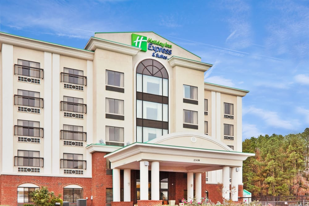 Holiday Inn Express & Suites Wilson-Downtown: 2308 Montgomery Dr W, Wilson, NC