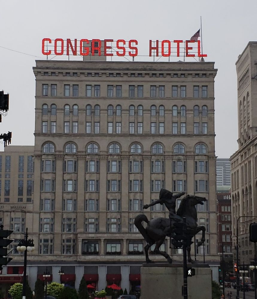 Congress Plaza Hotel & Convention Center - Parking