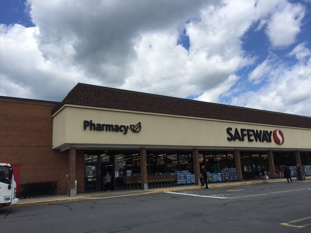 Safeway Food & Drug: 437 S King St, Leesburg, VA