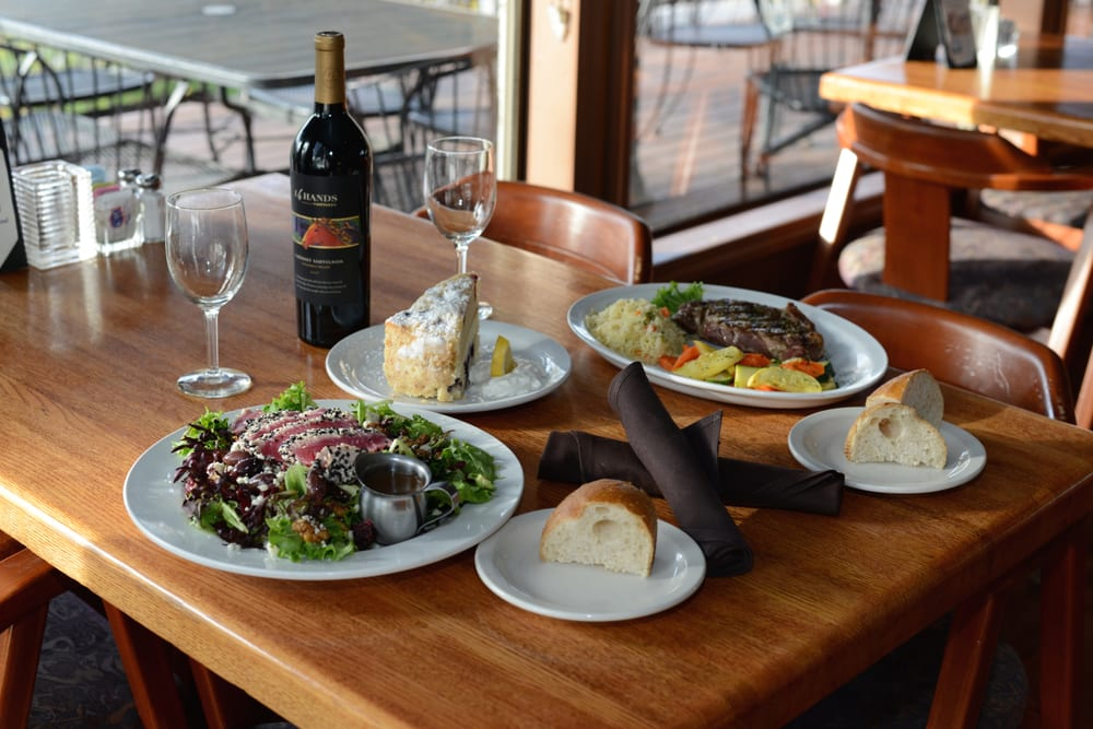 Rivershore Bar & Grill: 1900 Clackamette Dr, Oregon City, OR