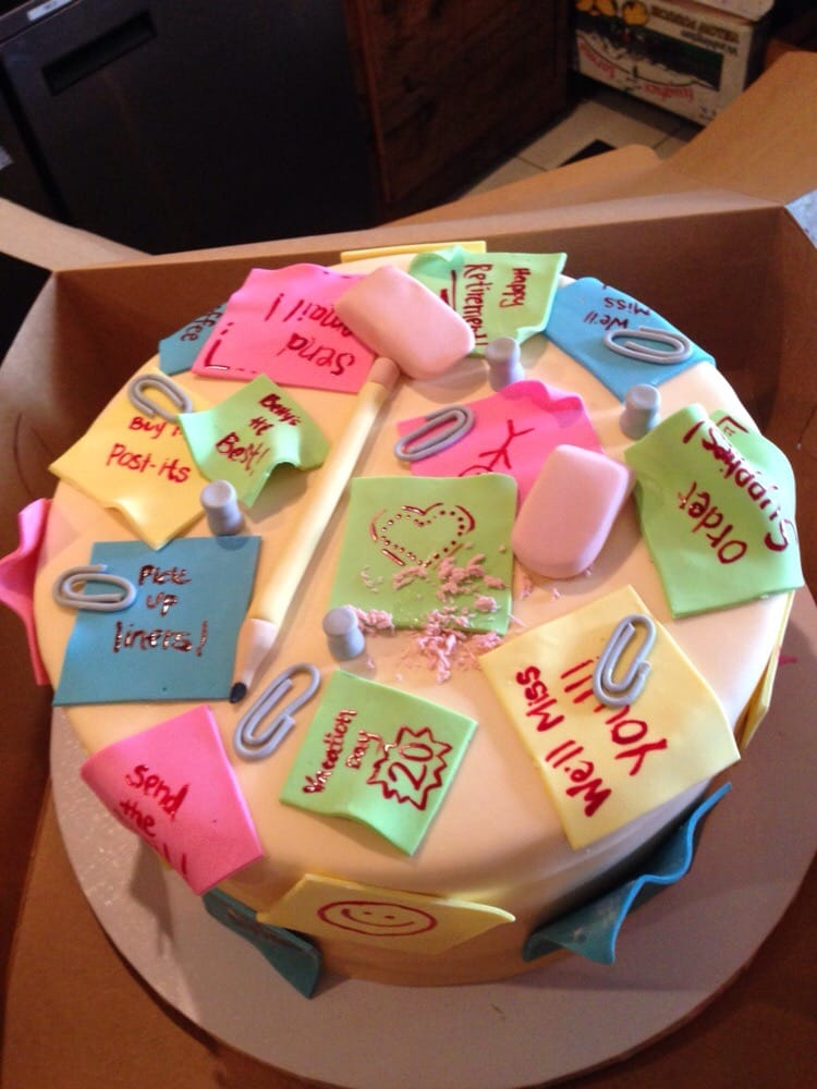 OMG What an amazing cake designpostit notes Not only does it