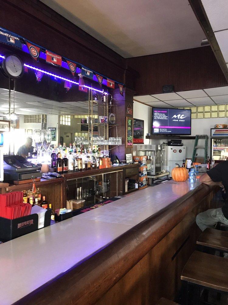 Station Street Pub: 101 W Station St, Saint Anne, IL