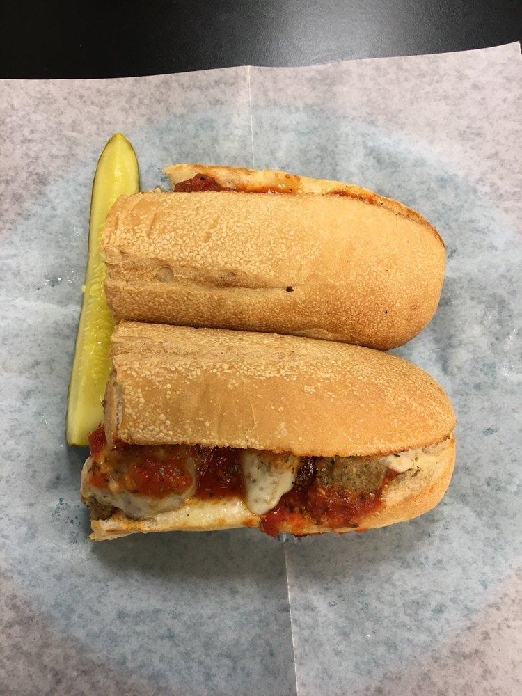 Angelo's Sub Cafe: 14079 Patrick Henry Hwy, Amelia, VA
