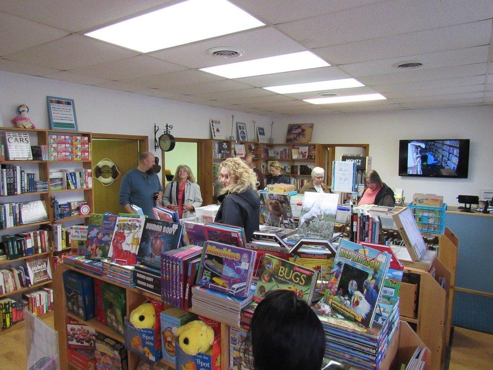 Lakeside Books: 3247 Territorial Rd, Benton Harbor, MI