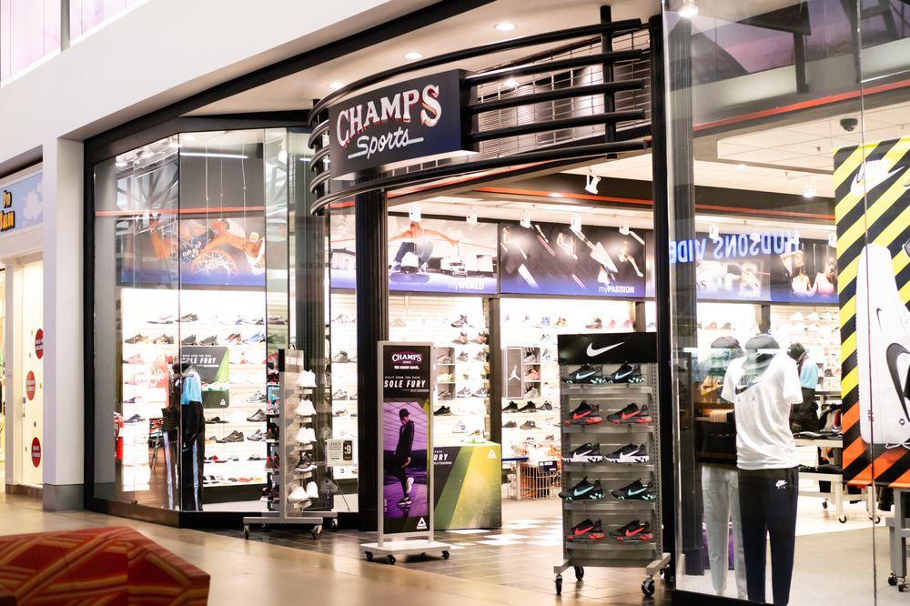Oviedo Mall: 1700 Oviedo Mall Blvd, Oviedo, FL