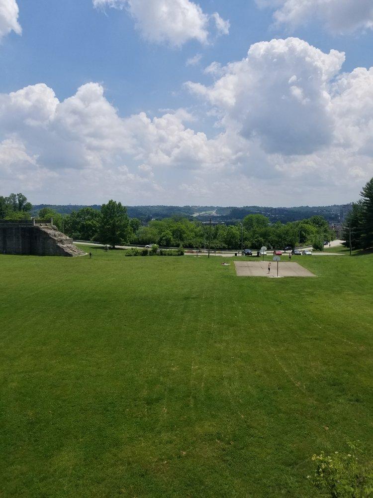 Overlook At Eden Park: 2145 Luray Ave, Cincinnati, OH
