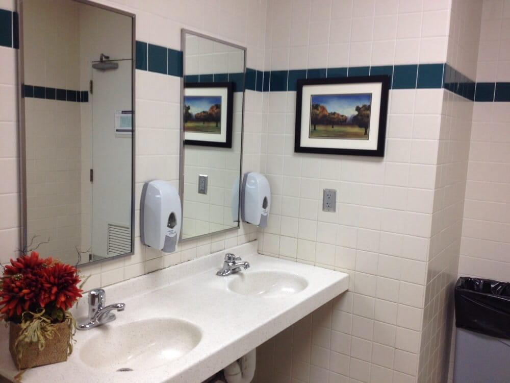 Clean bathroom - Yelp