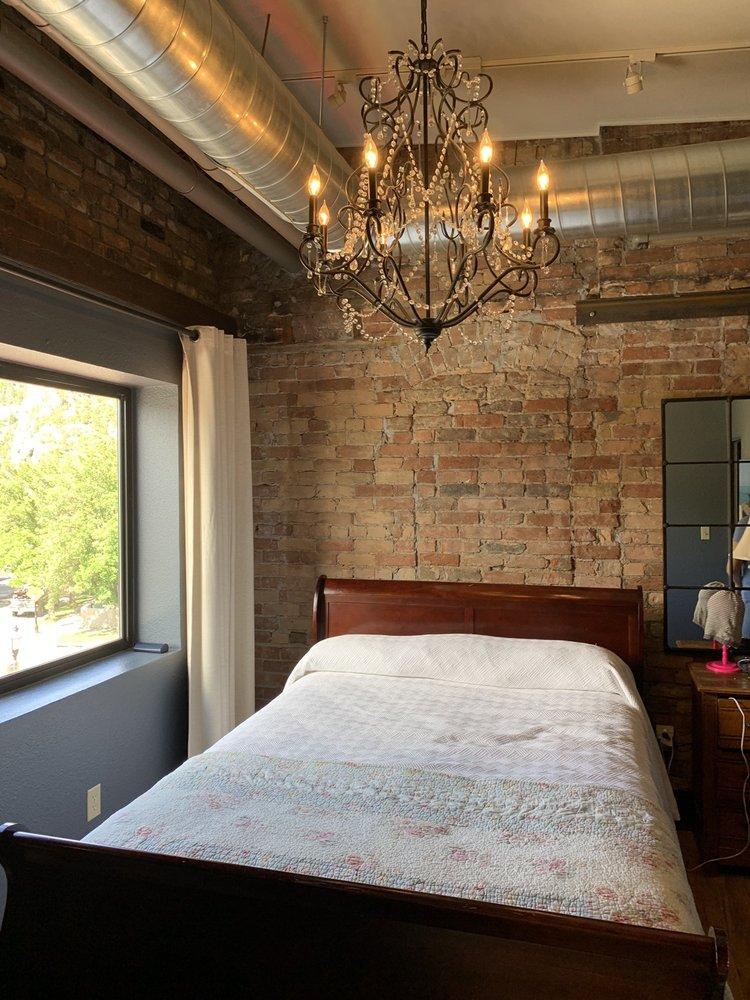 The Hotel Denver: 402 7th St, Glenwood Springs, CO