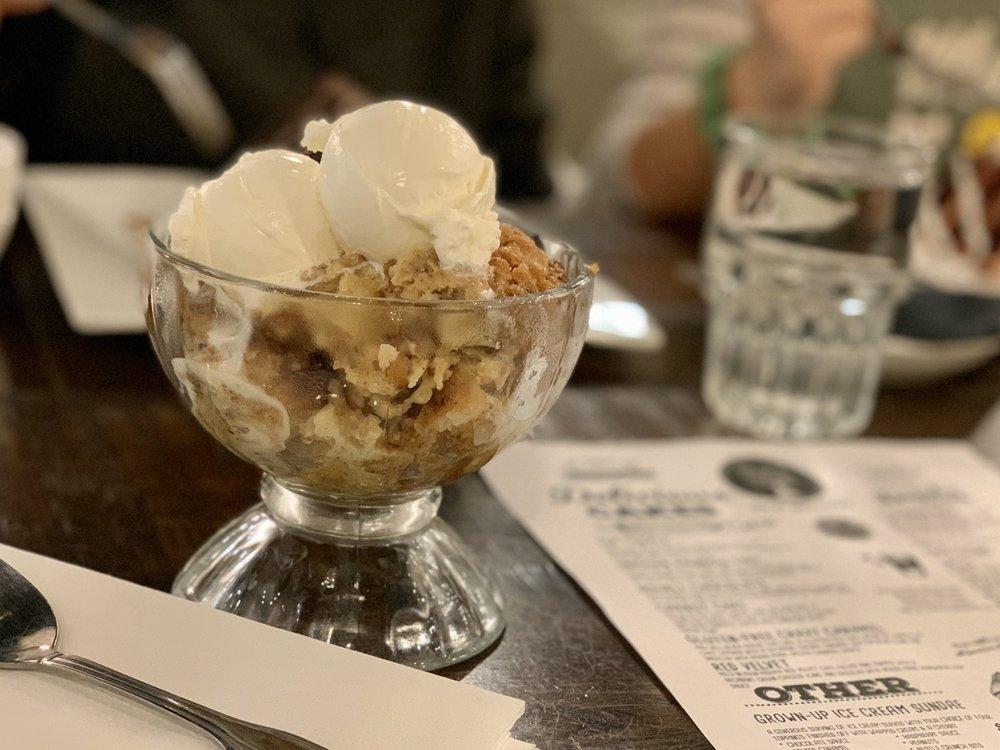 Sugar Sweet Dessert Cafe & Bar: 9555 Kings Charter Dr, Ashland, VA